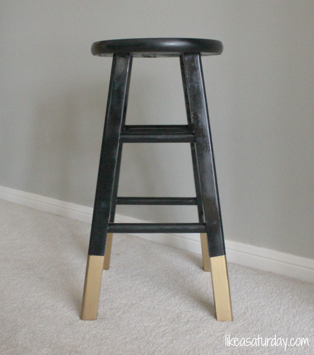 gold dipped bar stools : like a saturday