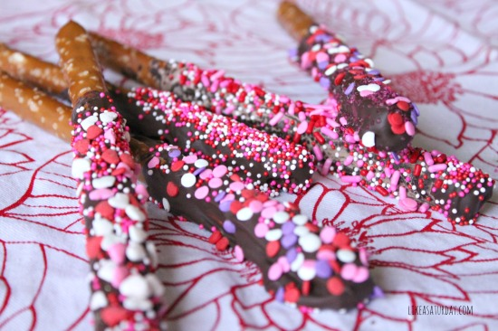Chocolate Dipped Pretzel Rods : Like a Saturday