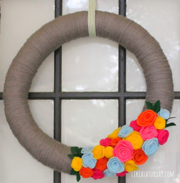 10 Awesome DIY Mother's Day Gifts : Yarn Wreath
