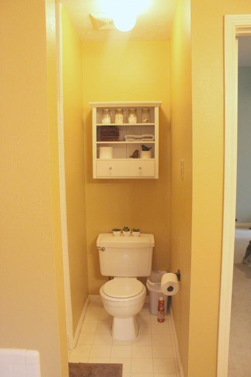 toilet nook before